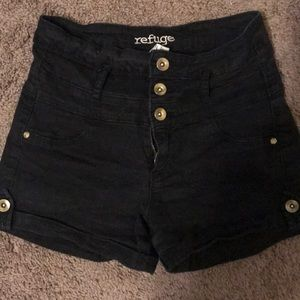 Refuge Highwasited Shorts